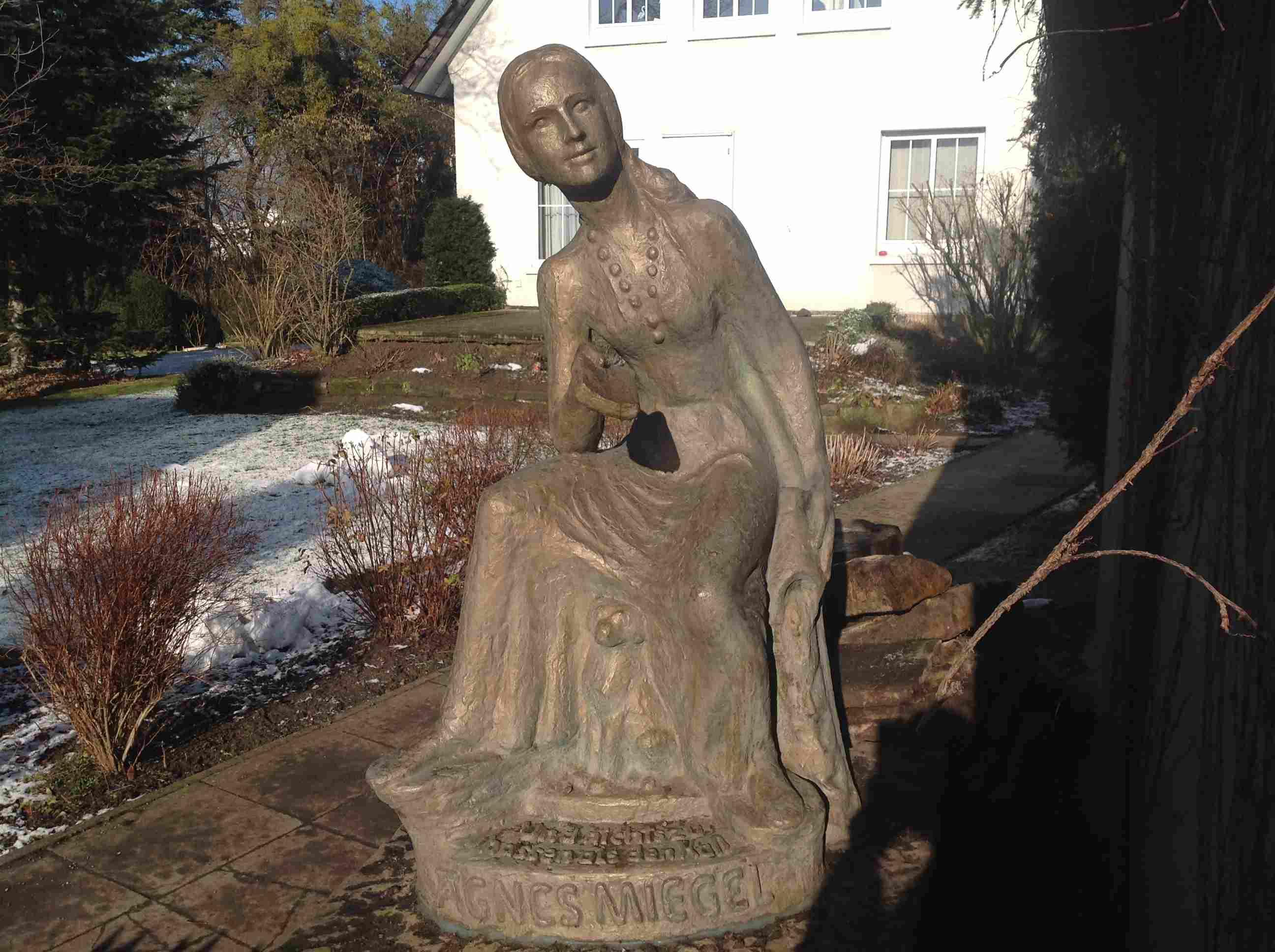 Agnes-Miegel-Denkmal, Februar 2015